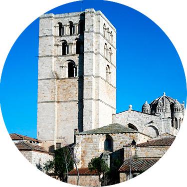 Catedral de Zamora al Atardecer - Visitas Guiadas Zamora